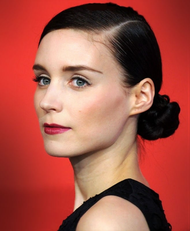 Rooney_Mara_2013_Cropped_and_Retouched-min